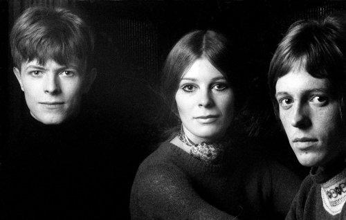 David Bowie collaborator, guitarist John Hutchinson, has died