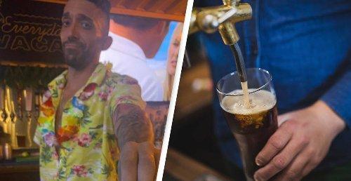 Bartender Offers Genius Help To Harassed Customer