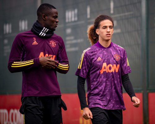 Photo: Hannibal gets advice from Manchester United teammate in training session