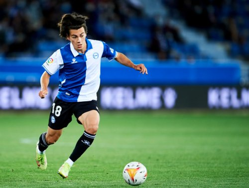 Manchester United loanee Facundo Pellistri features in stunning Alaves win over champions