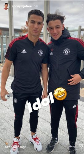 'Idol'... Manchester United youngster celebrates meeting Cristiano Ronaldo
