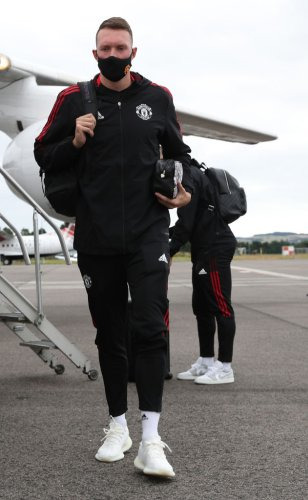 Photo: Bruno Fernandes shares that Phil Jones' return to training has been a success