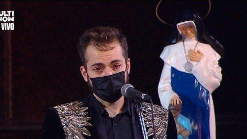 Viúvo de Paulo Gustavo faz discurso emocionante em missa de sétimo dia do ator