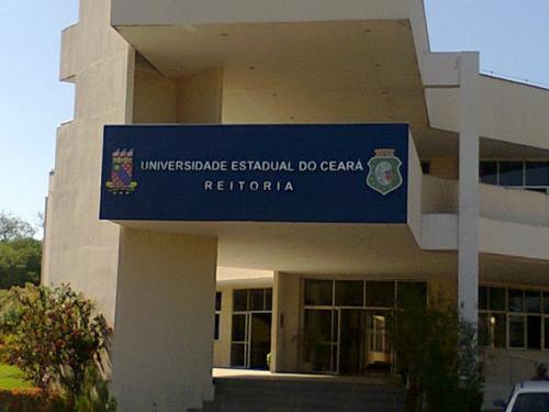 """PF investiga professores e alunos por """"palestras antifascistas"""" no Ceará"""