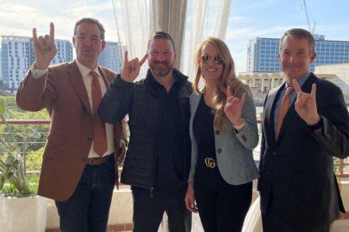 Texas Longhorns tab Texas Tech's Chris Beard as new men's basketball coach