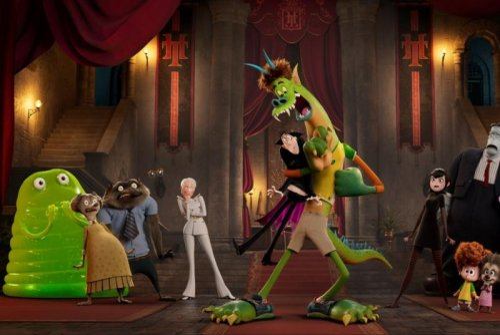 Dracula, Jonathan mutate in 'Hotel Transylvania: Transformania' trailer