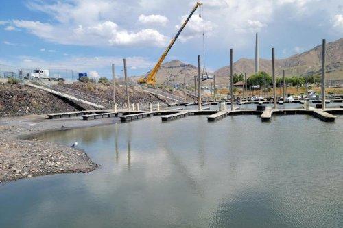 Water level in Utah's Great Salt Lake falls to historic low