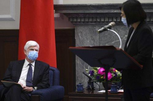 Tsai Ing-wen signals cooperation during meeting with Biden's emissaries in Taiwan