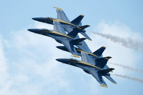 Blue Angels rehearse for Florida air show - Slideshow