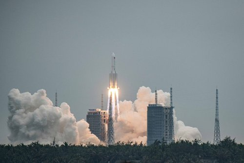 Twenty-two ton Chinese rocket plunges into Indian Ocean