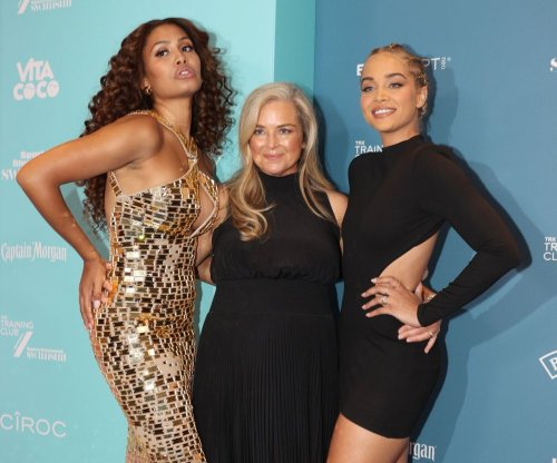 Moments from Sports Illustrated swimsuit edition celebration - Slideshow