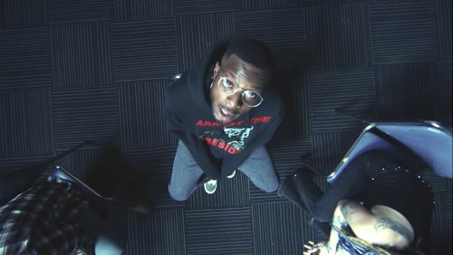 Isaiah Rashad Searches For Support In His Cyclic 'Headshots' Video