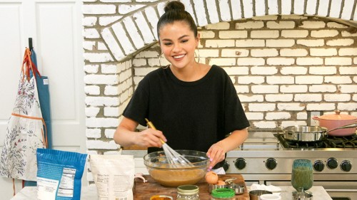 What's On Tonight: Fresh 'Selena + Chef' And 'Looney Tunes' On HBO Max