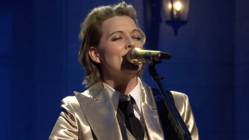 Brandi Carlile Performs 'Broken Horses' And 'Right On Time' On 'SNL'