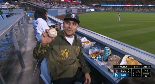 Justin Turner Annihilated This Poor Guy's Nachos With A Home Run
