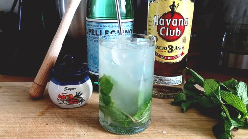 It's The Perfect Weekend To Make A Classic Mojito -- Here's Our Recipe
