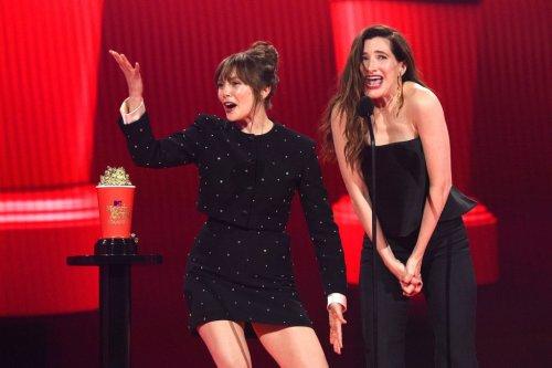 'Iconic Duo' Kathryn Hahn, Elizabeth Olsen Were Best Part Of MTV Awards