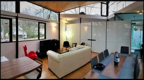 Atlanta's 'urban glass treehouse' is a short-term rental hit