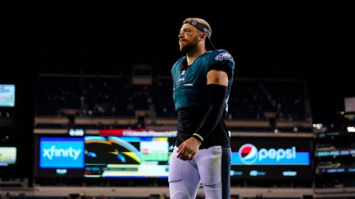 No, Zach Ertz can't play for the Cardinals on Sunday after he was traded post-Eagles loss