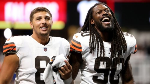 Browns' Jadeveon Clowney among leading 2021 free agents in QB pressures