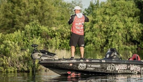 Angler catches 'dumbest bass in lake' to repeat as Classic champ