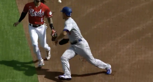 Corey Seager hilariously tried to trick the umpires by bumping into Jonathan India on a rundown