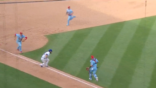 Cardinals complete the most chaotic double play against Cubs to keep winning streak alive