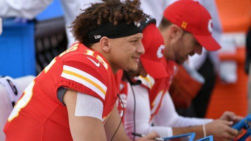 Patrick Mahomes' new contract compared to past top Chiefs deals