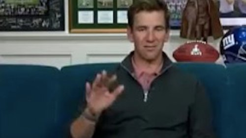 Eli Manning should never have to apologize for throwing double birds on live TV