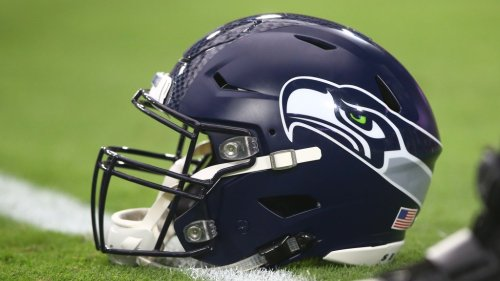 Rashaad Penny's option, a German LB, roster moves and other Seahawks news