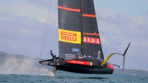 American yacht terrifyingly takes flight before capsizing during a race