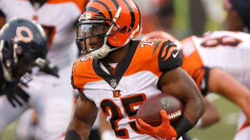 Former Bengals RB Giovani Bernard joins Buccaneers after recruitment by Tom Brady