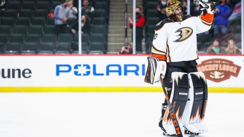 Ryan Miller shared the most beautiful moment with his parents after his final NHL game