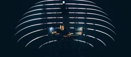 Immersion sonore en 3D : de l'électro à la thérapie psychédélique