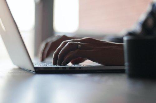 Un sénateur propose de contrôler l'identité numérique sur les réseaux sociaux