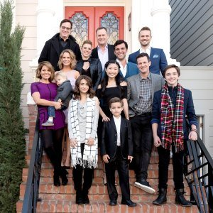 Candace Cameron Bure Has Both 'Full House' and 'Fuller House' Group Chats