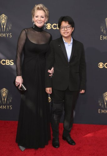 Jean Smart Shares 'Special' Way Son Forrest, 13, Reacted to Her Emmys Win
