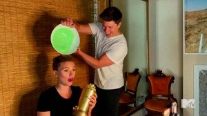 Wrong Show! Scarlett Johansson Gets Slimed by Colin Jost During MTV Speech