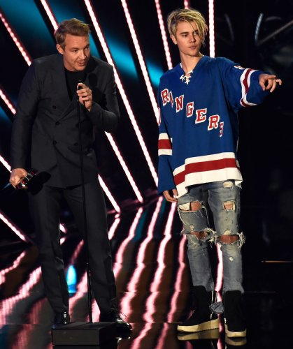 Justin Bieber Pranked Diplo With a 'Wrong Number' Text in Viral TikTok
