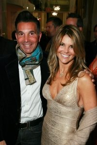 Lori Loughlin and Mossimo Giannulli Vacation in Mexico While on Probation