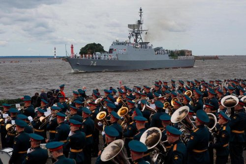 Russia Marks Navy's 325th Anniversary, Iranian Ship Joins In   World News   US News