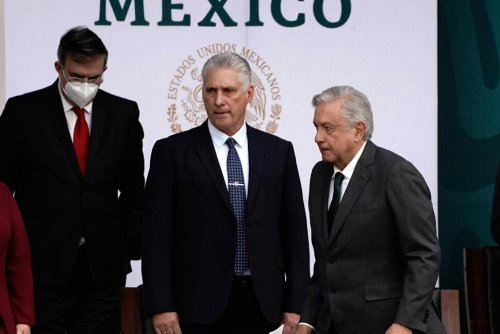 Mexico Highlights Cuban Leader's Visit on Independence Day