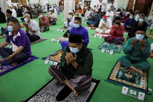 Malaysia's Health Ministry Calls for Ban on Eid Travel Amid Surge in COVID-19 Cases