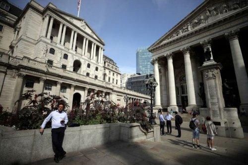 UK's Slow Growth and Rising Inflation Gives BoE Headache - PMIs