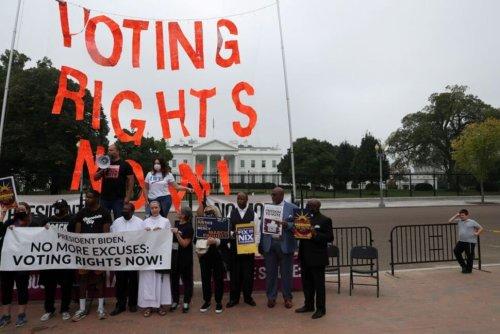 U.S. Senate Republicans Poised to Stop Democrats' Voting Rights Bill
