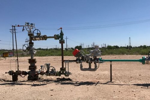 Occidental Petroleum Loss Narrows as Crude Prices Rebound