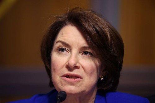 Bipartisan U.S. Bill to Raise Merger Fees for Big Deals Passes Senate Panel