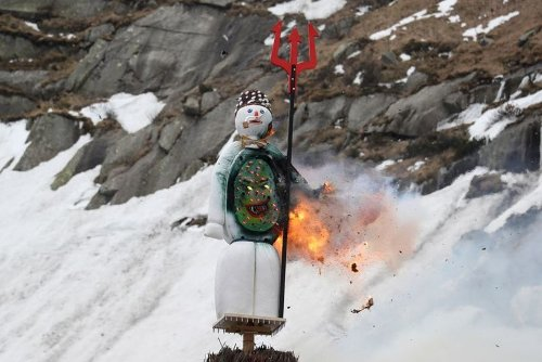Pandemic Drives Traditional Burning of Swiss Snowman Into Alps