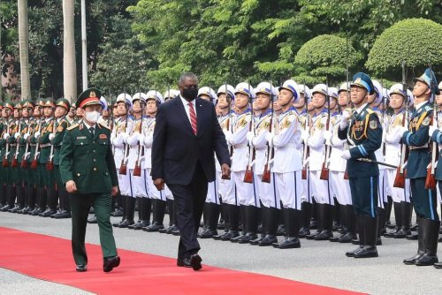US Defense Secretary Visits Vietnam, Vows Support for Region   Political News   US News
