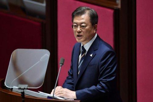 South Korea's Moon Seeks Urgency on N.Korea, Vaccine Deal at Biden Summit